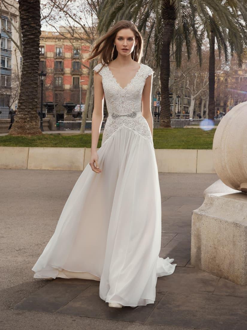 Vestido de novia de estilo romántico by Fara Sposa