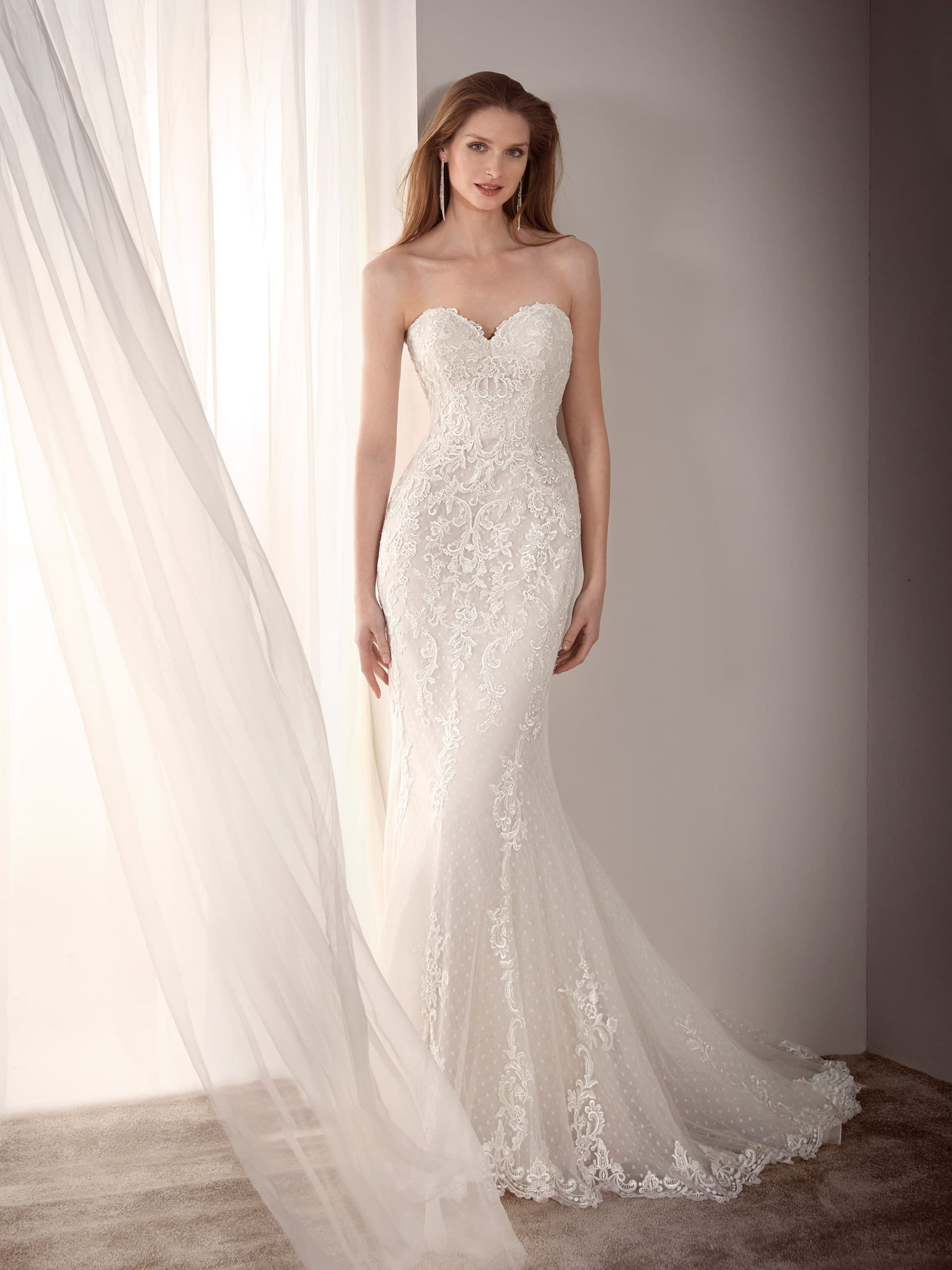 Vestido escote corazón de Fara Sposa