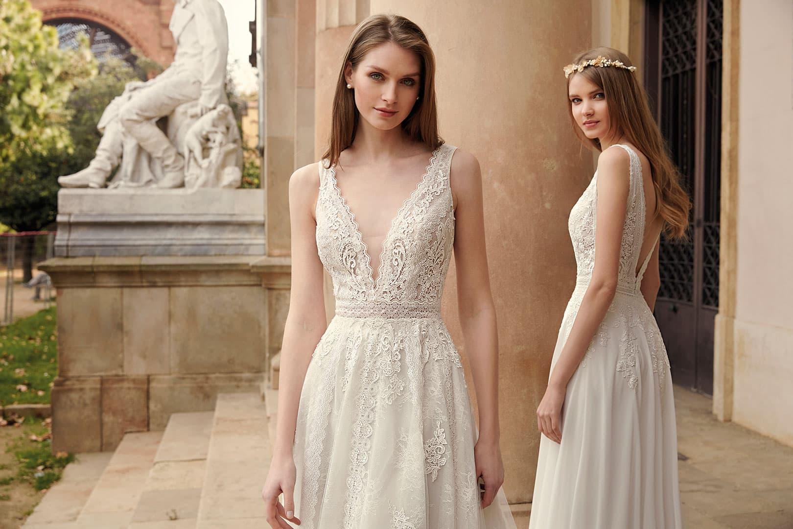 Dos novias vestidas con colección Fara Sposa 2020