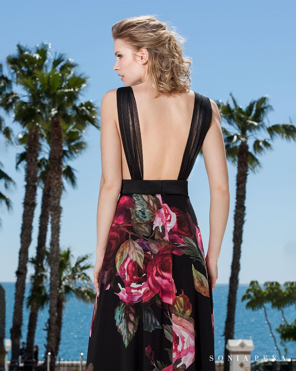 Detalle espalda vestido fiesta floreado Sonia Peña