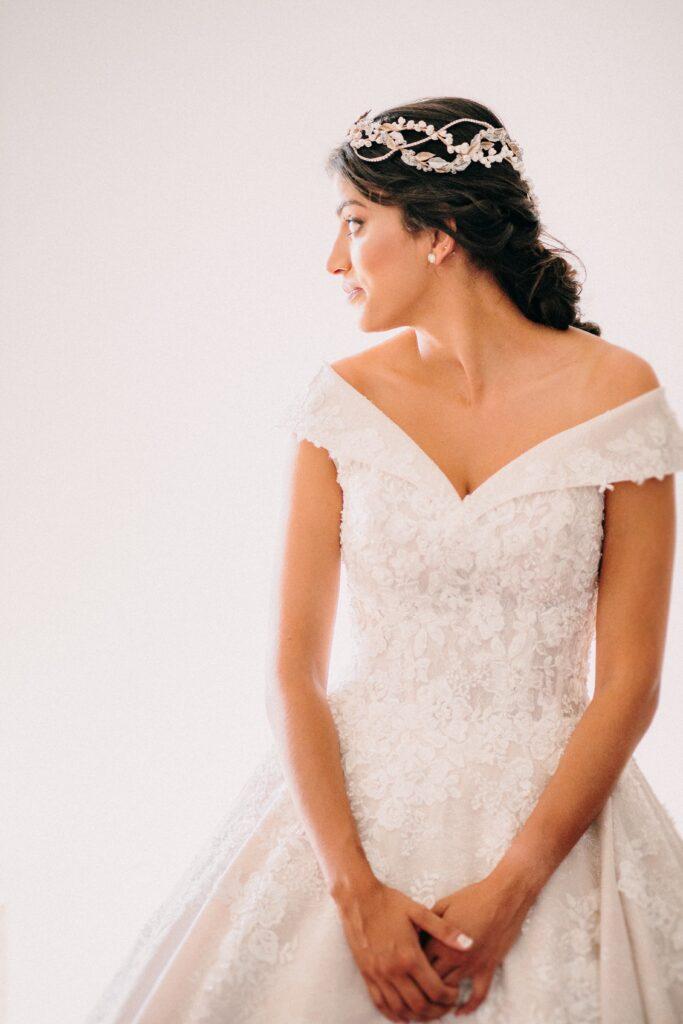 Vestido de novia corte princesa de Demetrios en Kyrie Novia y Ceremonia